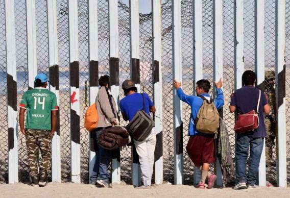 Al meer dan 1.500 migranten uit migrantenkaravaan aan Amerikaanse grens