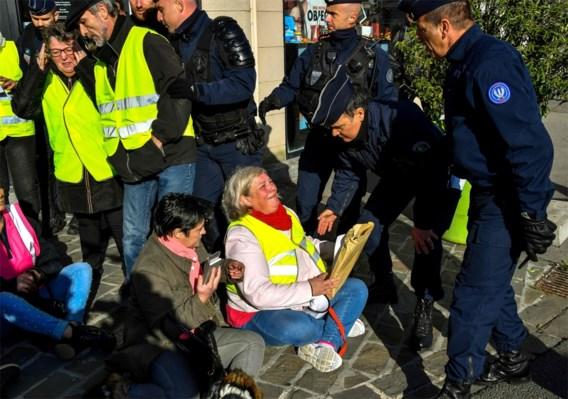 Macron in het nauw door benzineprotesten