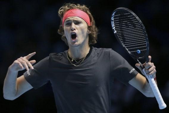 Zverev stoot samen met groepswinnaar Djokovic door naar laatste vier in ATP Finals