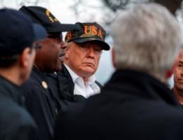 Trump verspreekt zich bij bezoek aan rampgebied in Californië