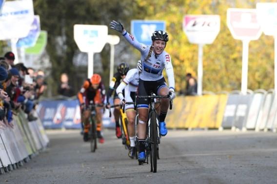 Annemarie Worst is Cant en Van Loy te snel af en wint snelle Flandriencross