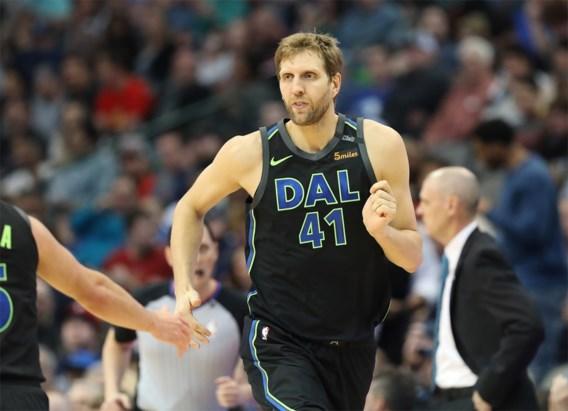 Dallas eert basketbalicoon Dirk Nowitzki (40) met de sleutel van de stad