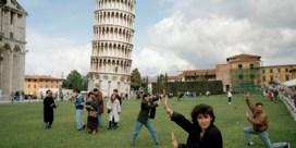 Toren van Pisa staat steeds rechter