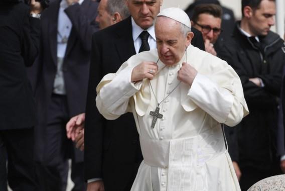 Paus noemt homoseksualiteit 'modetrend'
