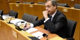 Nigel Farage verlaat Ukip wegens extreme koers