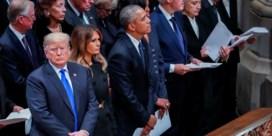 Trump weigert Clintons te begroeten op begrafenis Bush