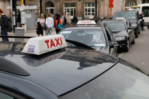 Elke taxichauffeur moet binnenkort Nederlands spreken