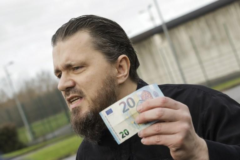 Haatprediker Denis vanmorgen vrijgelaten