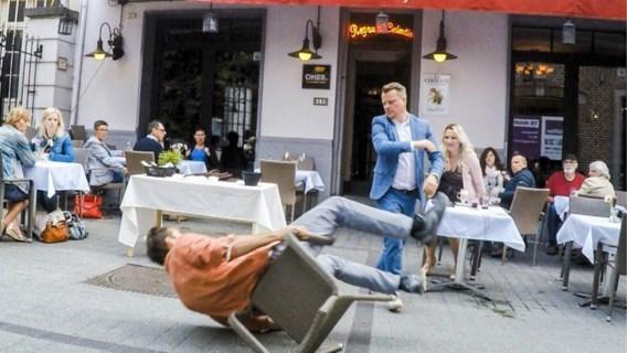 Raakt Mathias Coppens van zijn smartphoneverslaving af?