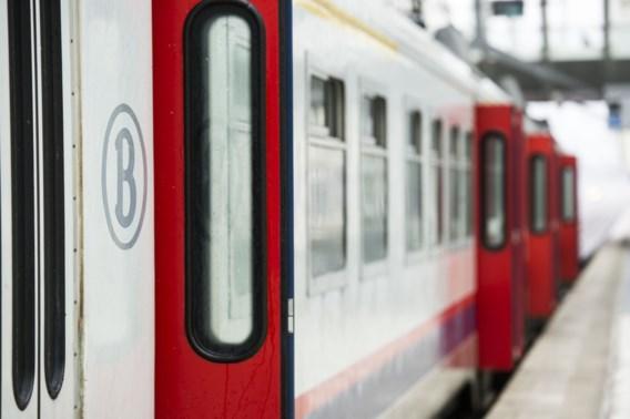 Treinen bevatten sporen van asbest