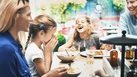 Tijdgebrek of niet, gezinnen moeten vaker samen aan tafel