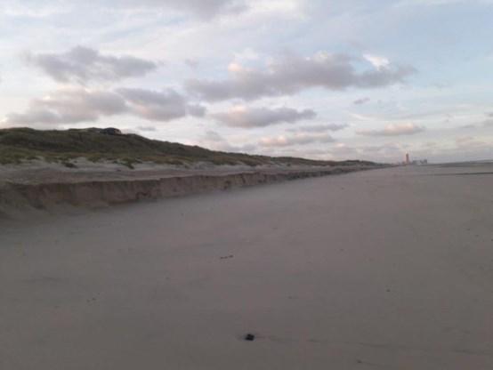 Eerste najaarsstorm laat zware sporen na op onze stranden