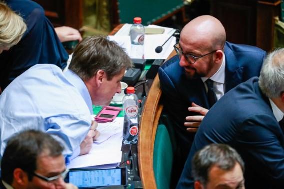 Eerste armworsteling is begonnen voor minderheidsregering-Michel