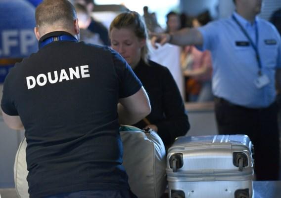 Douaniers voeren stiptheidsacties in La Louvière en luchthaven Charleroi