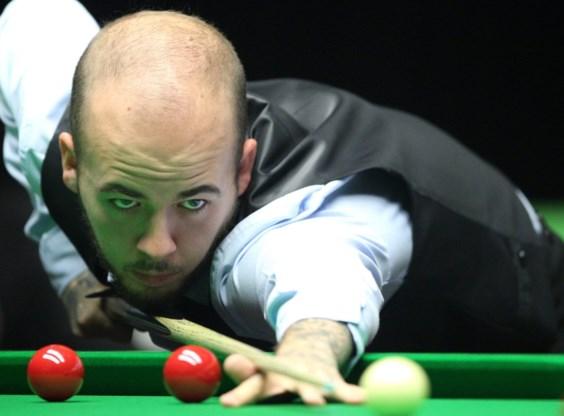 Luca Brecel bereikt derde ronde in Scottish Open na winst tegen thuisspeler