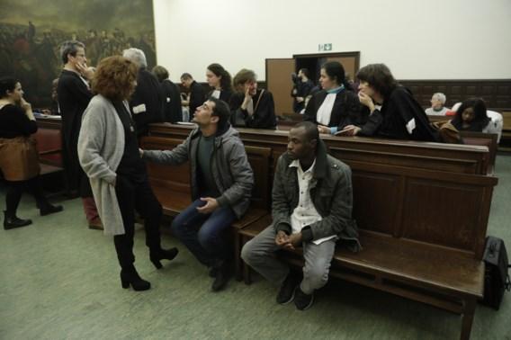 Vrijspraak voor vrijwilligers die migranten onderdak boden