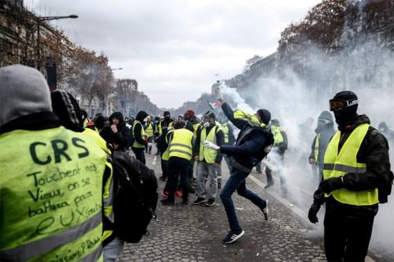 Franse politici roepen gele hesjes op om 'verantwoordelijkheidszin' te tonen