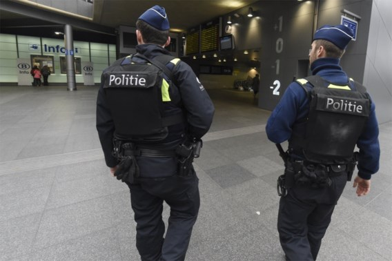 Politiebonden staken, maar 'willen land niet platleggen'