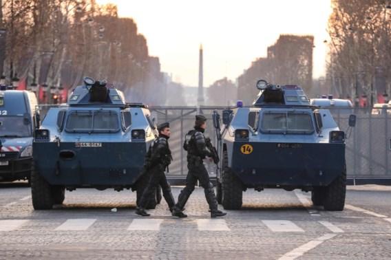 Minder gele hesjes in Parijs, wel weer honderd arrestaties