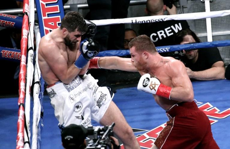 Mexicaanse bokser Saul 'Canelo' Alvarez verovert WBA-titel bij supermiddelgewichten