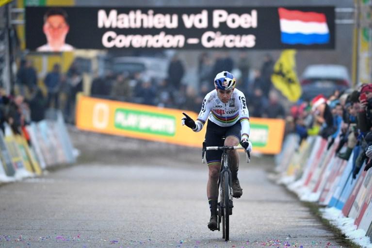 """""""Nonchalante"""" Mathieu van der Poel geeft deze keer broer de schuld van saaie cross, Wout van Aert geeft het nog niet op"""