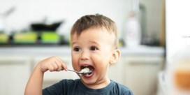 Kleine kinderen eten beter niet te veel rijst