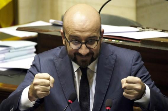 Oppositie in gespreide slagorde tegen Michel II
