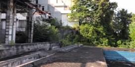 Urban explorer verkent verlaten hotel dat in 2004 door tsunami vernield werd