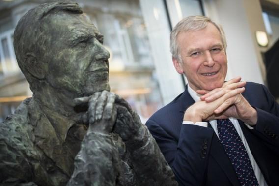Borstbeeld Leterme onthuld dag na val regering