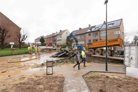 Bewoners terug thuis na waterlek in Sint-Pieters-Leeuw