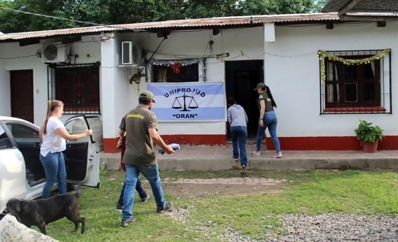 Na 32 jaar werd ontvoerde Argentijnse en zoontje (9) herenigd met familie