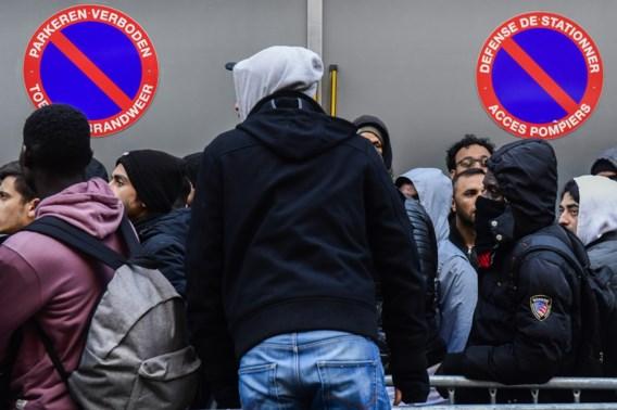 Honderdtal mensen mogen aanmeldcentrum Klein Kasteeltje niet binnen