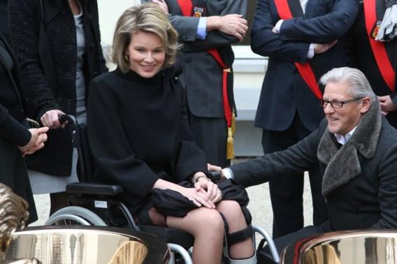Actrice roept op om koninklijke titels Jan Fabre tijdelijk af te nemen