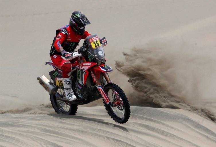DAKAR. Al-Attiyah wint vierde rit bij wagens en vergroot voorsprong, dubbelslag voor Brabec bij motoren