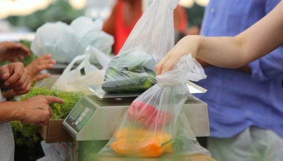 Zelfs op de markt krijg je binnenkort geen plastic zakje meer
