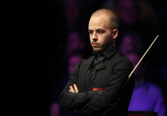 Wat een teleurstelling: pijnlijke misser kost Luca Brecel halve finale op Masters snooker