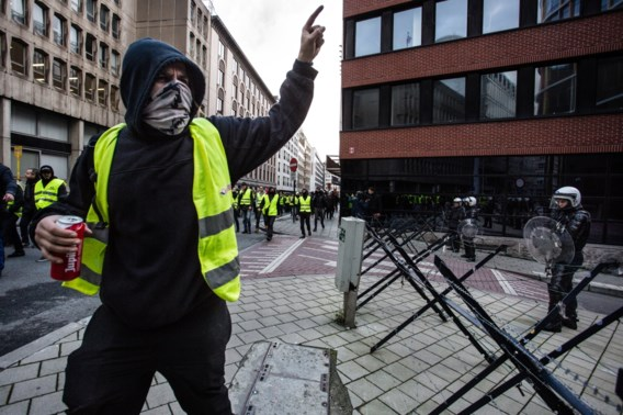 Vier gele hesjes veroordeeld voor geweld tijdens betogingen