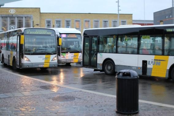 De Lijn moet illegale gokreclame van bus halen