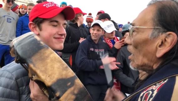 Botsing tussen inheemse Amerikaan en jonge Trump-aanhangers verhit gemoederen in VS