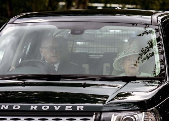 Politie geeft prins Philip (97) standje over rijden zonder gordel