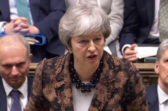 May houdt voet bij stuk: Brexit op 29 maart, desnoods zonder akkoord