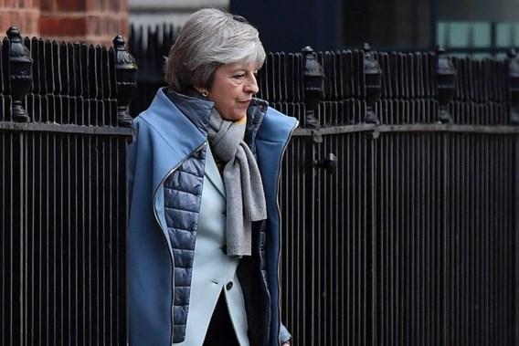 Britse premier May zoekt uitweg uit Brexit-impasse