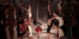 Dior maakt een circus van coutureweek