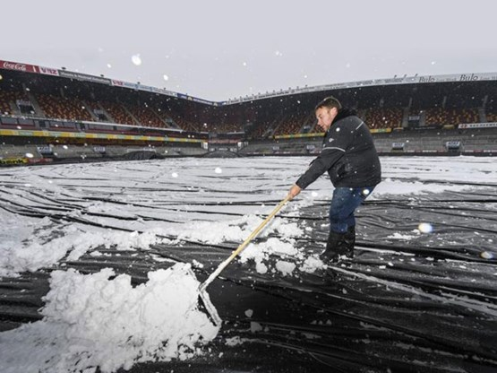 Grasmat van KV Mechelen klaar voor ontvangst van Union in Beker van België