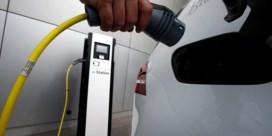 Vlaamse ombudsman waarschuwt voor groepsaankoop elektrische wagens
