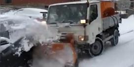 Sneeuwruimer botst met auto's die eerder al ongeval hadden