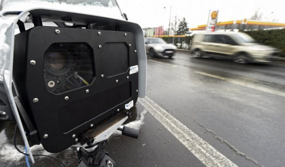 Politiezone Brussel-West stelt twee superflitsers voor en betrapt meteen hardrijders