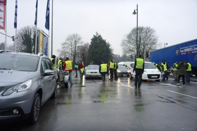 Vijftigtal gele hesjes houdt filterblokkade aan Ikea Anderlecht