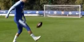 Eden Hazard kan het ook met een football