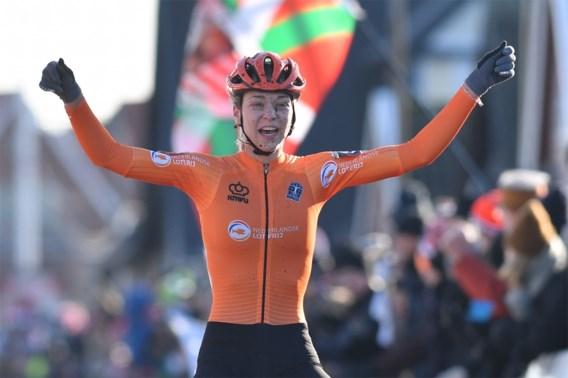Volledig Nederlands podium bij vrouwen-beloften: Inge Van der Heijden verrast topfavoriet Alvarado
